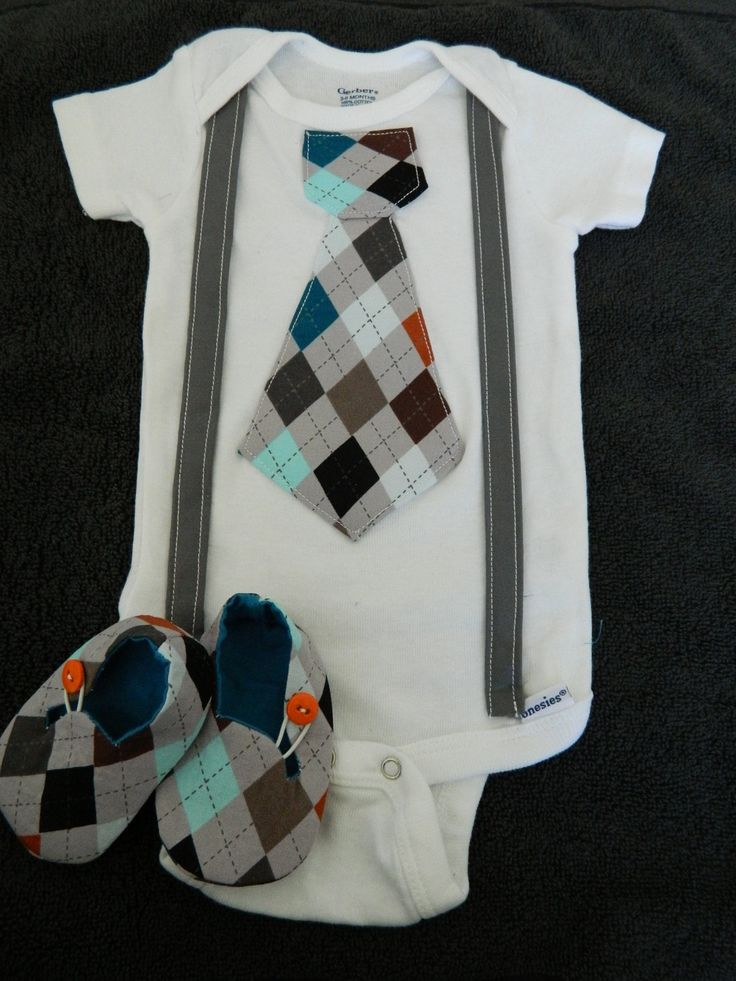I am in love with matching tie oneies & booties!! Baby Boy Gift Set Cloth BootiesMatching Tie by Lifelizziestyle, $29.50