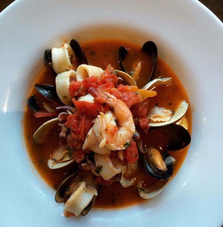 Clams, mussels, calamari, shrimp in a delicately spiced tomato broth #zuppadipesce #chiantiristorante #cheffabrizio #seafood #italianfood #dzrestaurants #saratogafoodadventures #saratogasprings #heavenisforreal
