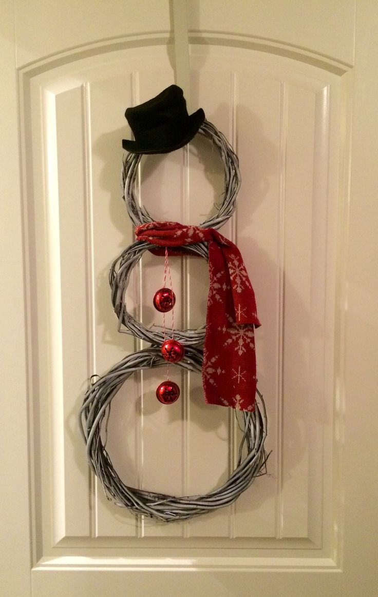 Grapevine Frosty the Snowman Holiday Decoration for Wall or Front Door #BayouBurlapandBling