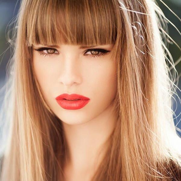 Twitter | Capelli lunghi con frangia, Colori dei capelli ...