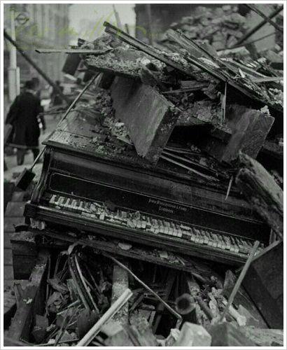 Lee Miller: Piano by Broadwood, London, 1940
