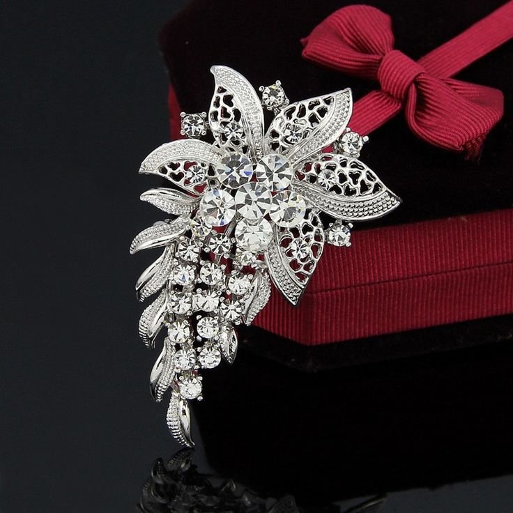 Hight Quality White Crystal pin Brooch Bouquet Rhinestone Brooches pins 2017  wedding dress accessories