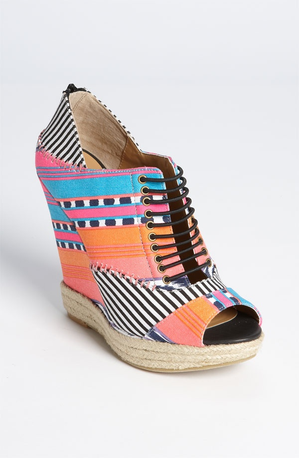 love: Summer Sandals, Sandals Wedges, Chinese Laundry, Summer Shoes, Mixed Prints, Chine Laundry, Wedges Sandals, New Shoes, Summer Wedges