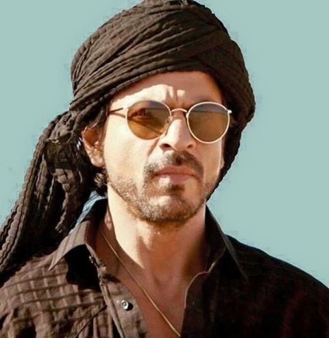 SRK's new style for #Raees new song #Zaalima