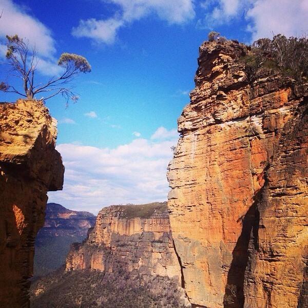 Blue Mountains NP near #Sydney #Australia by nattafifi (instagram)