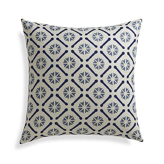 262 best Pillow Toss images on Pinterest Decorative pillows, Throw pillows and Decorative bed ...