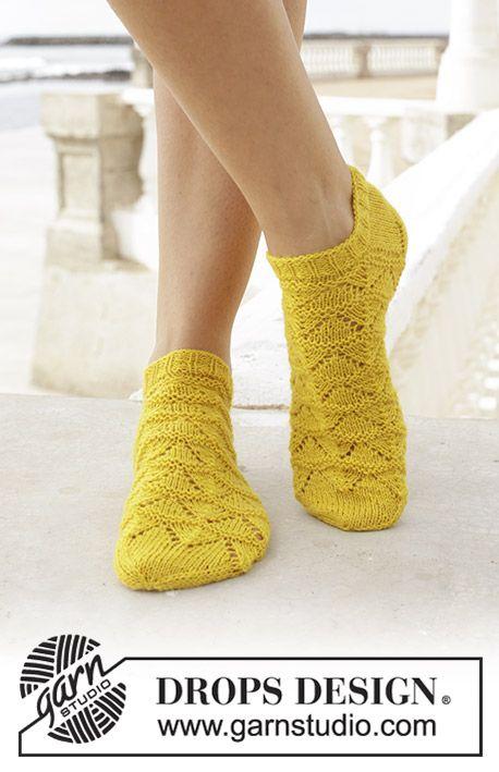Gestrickte Socken mit Lochmuster. Größe 35 – 43….