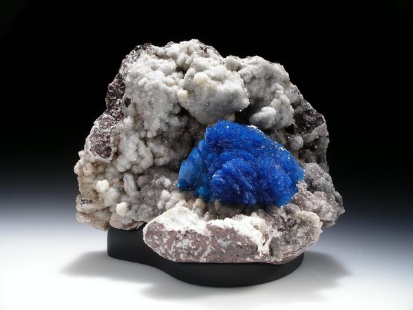 Calcium Silicate Rocks : Cavansite whose name is derived from its chemical