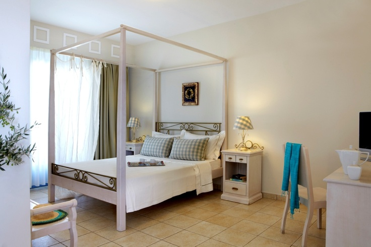 #Afroditi The goddess of love was the inspiration for this suite's name, as its sophisticated atmosphere promises a unique stay. #MitosSuites #Naxos #Greece
