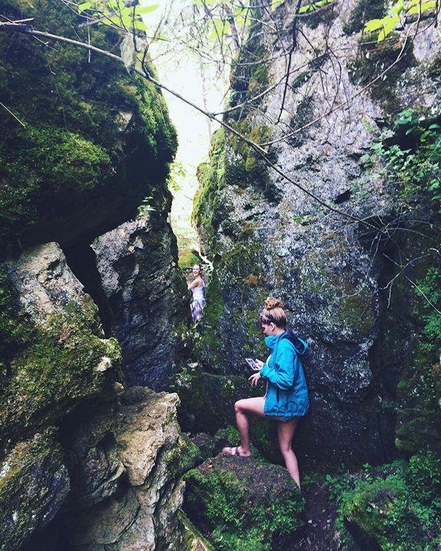 Hidden caves, waterfalls, cliff jumping... yasssss!