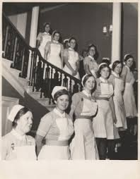 The nurses from the afternoon shifts in Wards 4 and 7 pose for a formal picture…