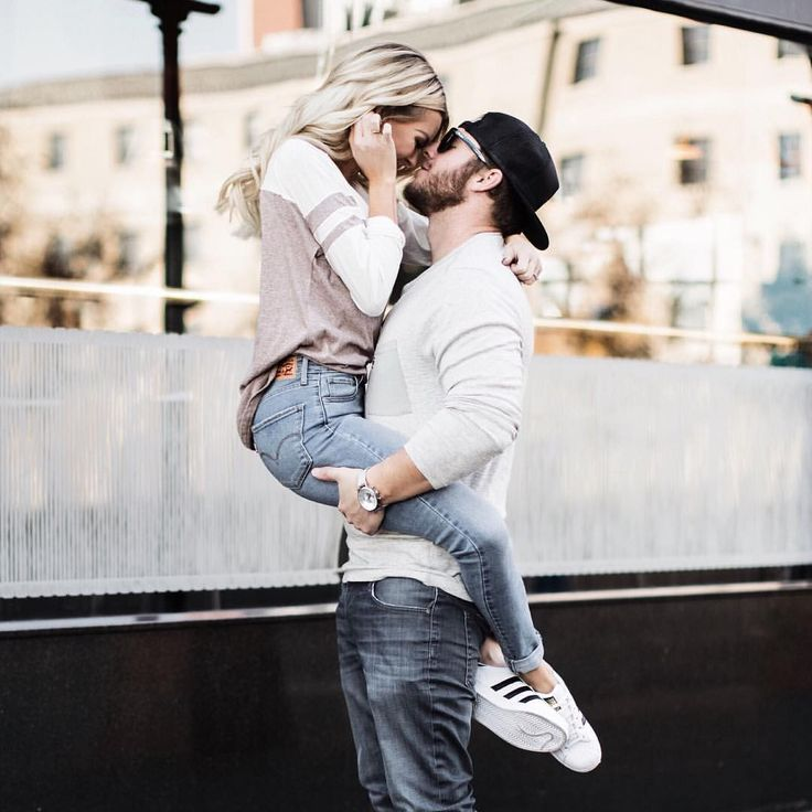 @happilyeverallen • Happily Ever Allen. Chase Allen. Brit Allen. Goals. Couple goals. Kiss. Love. Cute. Cute couple. Couple posing. Bella Ella. Bella Ella boutique. Adidas.