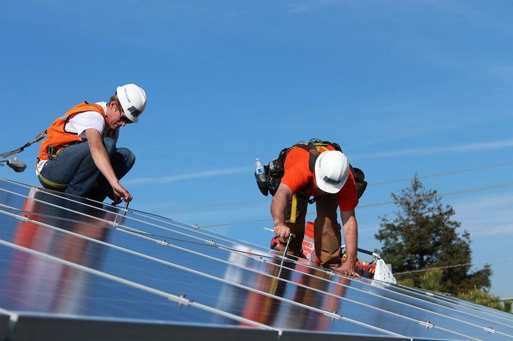 Nearly 700k #solar systems nationwide according to the latest #US Solar Market Insight Report! http://www.seia.org/smi