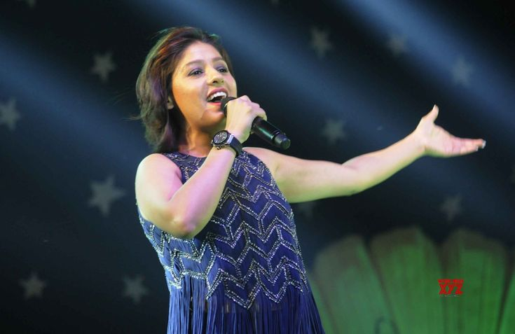 Sunidhi Chauhan gets boost from new singers to experiment - Social News XYZ