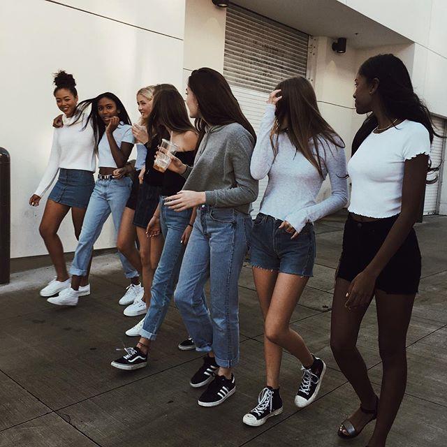 #brandyusa | Групповые фото позы, Идеи для фото, Девушки в ...