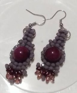 Purple earrings by Sophiecadesigns #purple #brickstich #crystalbeads #handmade #jewelry