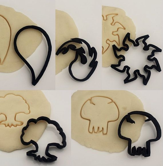 Make cookies for your next Magic the Gathering gathering!  This kit contains all 5 Magic the Gathering cookie cutters, black, blue, red, green and