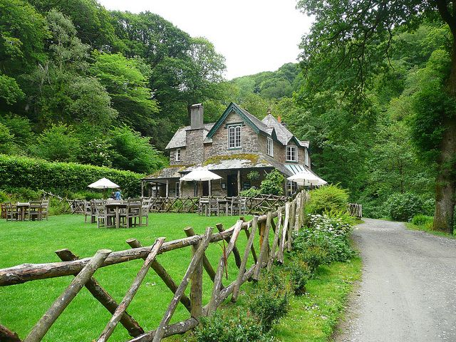 Lynmouth National Trust tearooms, (England)