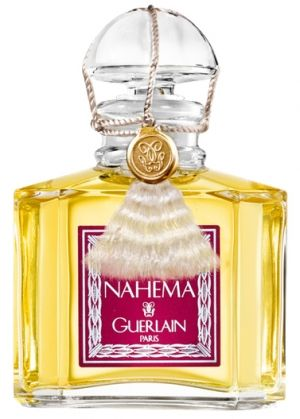 Nahema Guerlain. Top notes: rose, peach, bergamot, green notes, and aldehyde notes. Middle notes: hyacinth, Bulgarian rose, ylang-ylang, jasmine, lilac, and lily of the valley. Base notes:vanilla, passion flower, Peru balsam, vetiver, and sandalwood.