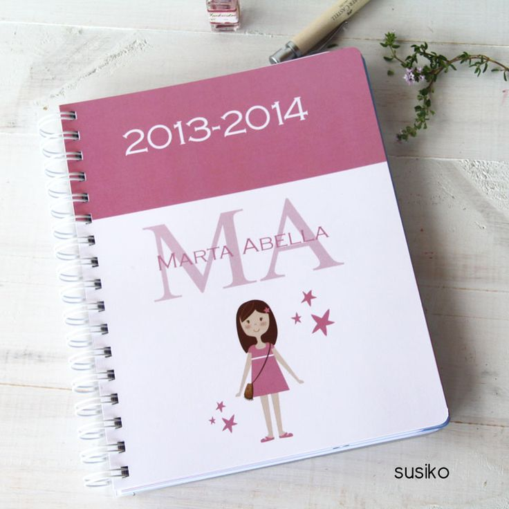 Agenda escolar, podrás personalizarla con tu/s hijo/s para que tenga su propia agenda y pueda apuntar los cumpleaños de sus amigos, los teléfonos, sus deberes, la cita con el pediatra...