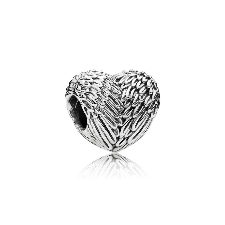 Sneak peek the new collection – and vote for your favorite jewelry