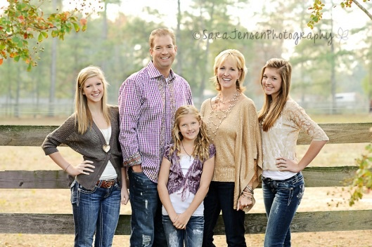 Great family pose :)