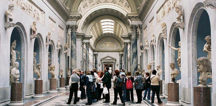 Visitar losMuseos del Vaticanocon un tour privado te permite vivir una experiencia exclusiva y organizada de acuerdo a tus intereses y curiosidades. La Visita Privada de los Museos del Vaticano dura alrededor de tres horas,   #Basílica de San Pedro #Capilla Sixtina #Museos del Vaticano