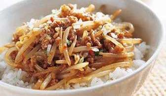 Chinese-style Bean Sprouts on Rice