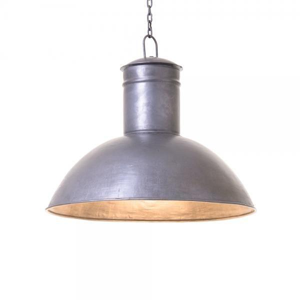 Harmaa metallinen kattolamppu kettingillä. Tilaa omasti tästä! http://www.verkkokauppa.aadesign.fi/tuotteet/gray-lamp-small