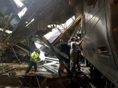 Ifeanyi Chukwudile's Blog: Photo: Three confirmed dead as New Jersey train cr...