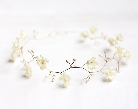 Ivory wedding crown, Pearl hair accessories, Ivory floral crown, Gold crown, Bridal crown, Flower crown, Crown flowers, Tiara wedding.