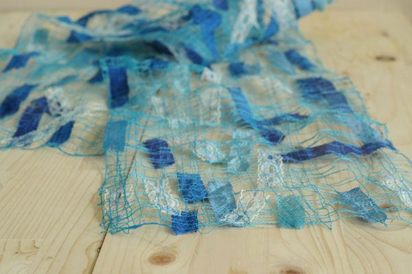 Make an evening-worthy scarf or shawl from scraps of ribbons and fabrics. SO COOL AND EASY!!