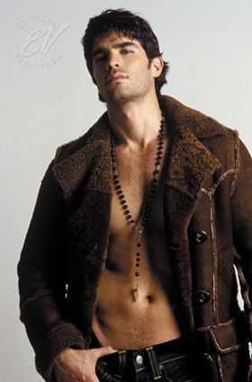 Eduardo Verastegui as Dante