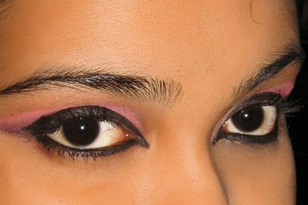 7 Steps To Follow To Create This Stunning Arabic Eye Makeup