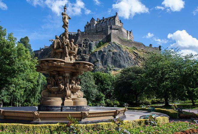 Шотландия, замок, красота, замки Шотландии, фонтан, скульптура, парк, красота