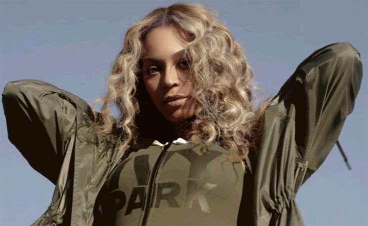 Beyonce Knowles is PREGNANT – she low key announced her pregnancy just a few moments ago. No Bey didn't make a formal announcement. She merely showed up in her new Ivy Park ad – sporting a CLEAR baby bump. Check out the below pics as evidence.