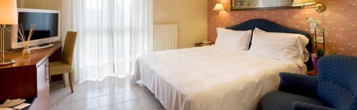 La comodità, l'eleganza e la discerzione delle camere dell'hotel Parigi 2 di Dalmine sapranno conquistarvi e farvi sentire a casa.