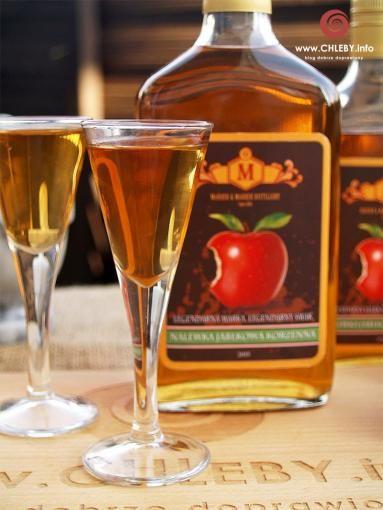 Zdjęcie: Nalewka jabłkowa korzenna