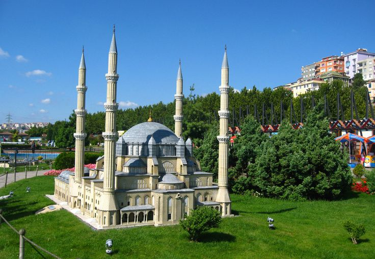 All maquette structures presented at Miniürk are 1/25 of their original size and represent the main structures, buildings and sites in Turkey. A must see.
