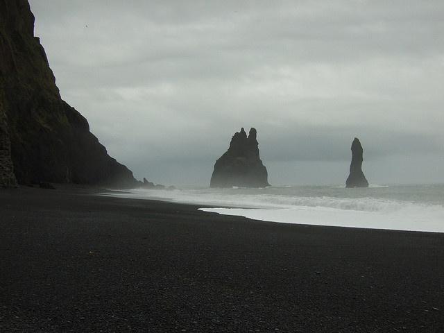 Black sand beach at Vik, Iceland by Thin Glass, via Flickr