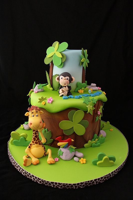Jungle cake for a baby shower