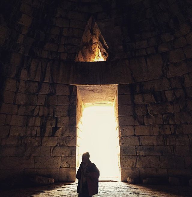 Everything they told you in #architecture #history is real! #Mycenae #Greece Photo credits: @amelynamelyn