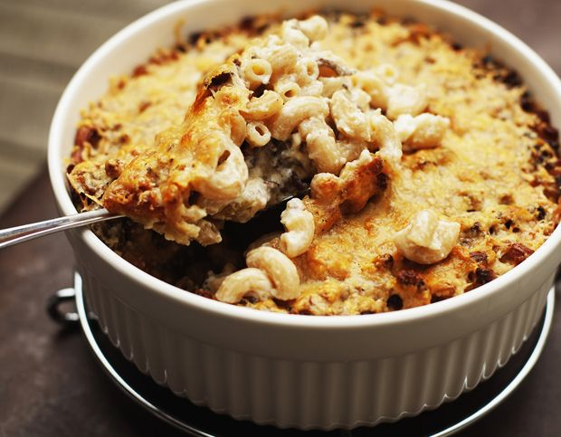 Makaronilaatikko - 'Macaroni box' (macaroni, mince beef, white sauce) - the ultimate #Finnish comfort food