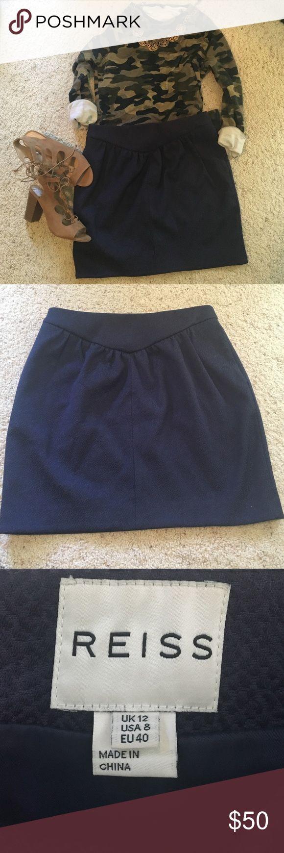 Reiss navy blue skirt Super flattering navy blue skirt. Excellent used condition Reiss Skirts Mini