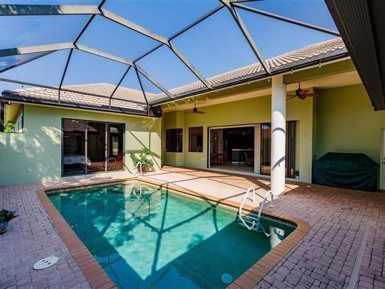 spacious courtyard home in