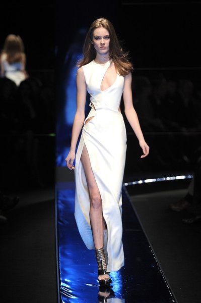 Versace at Milan Fashion Week Fall 2010 - Runway Photos