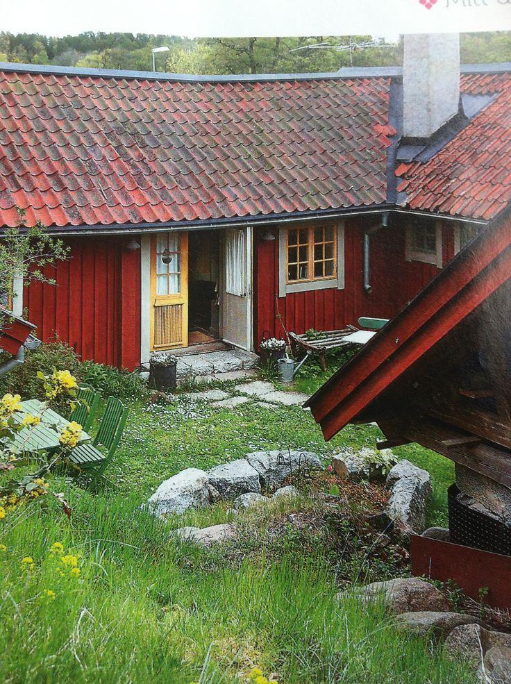 Vackert gammalt hus med vackra kulörer