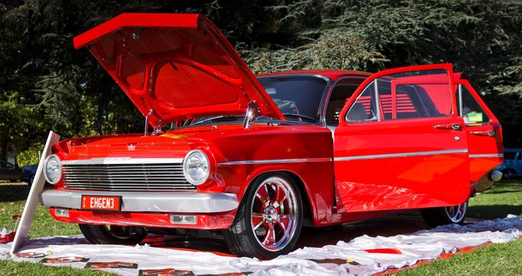 20110423---EH-Holden-Show-at-OPH---EH---Red-open.jpg 1,600×846 pixels