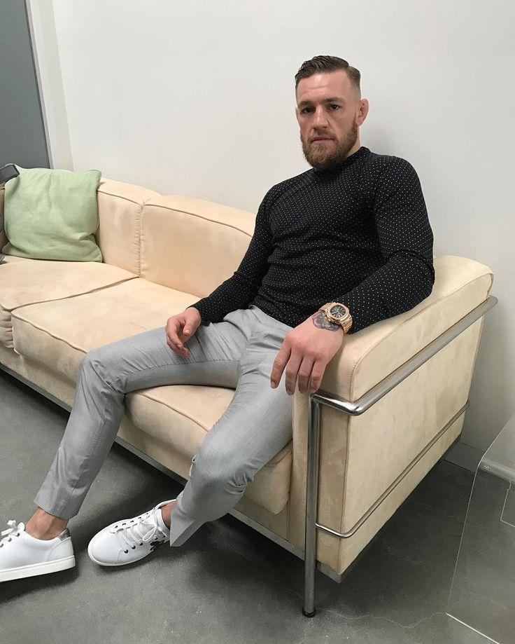 591.3 тыс. отметок «Нравится», 2,258 комментариев — Conor McGregor Official (@thenotoriousmma) в Instagram: «some poke»