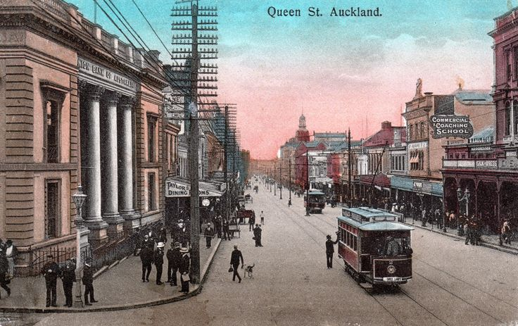 Bill😄🇳🇿✔️✔️  Queen Street, Auckland. Postcard dated the 4th July 1910 from the W. & A. Series. Ppcv